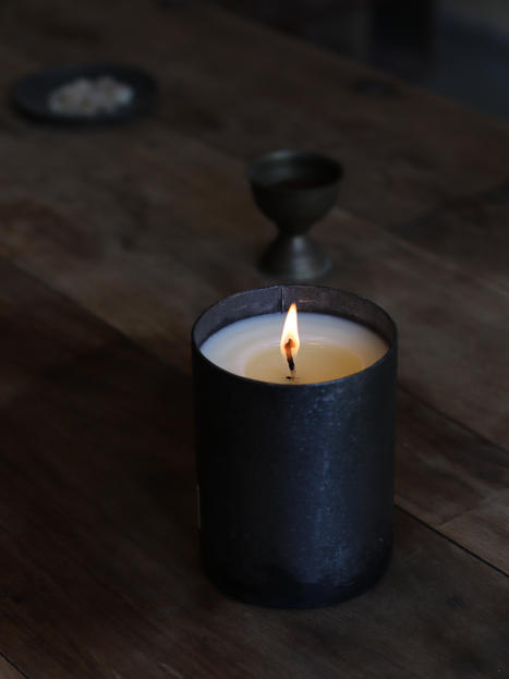 Essential Oil Iron Candle 500 g.