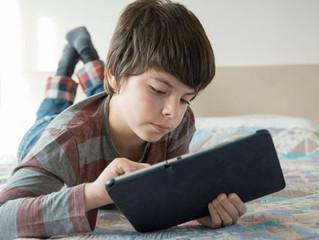 9 sinais de que seu filho está viciado em tecnologia