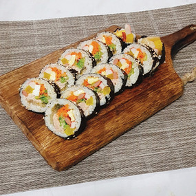 Kimbap truyền thống.jpg