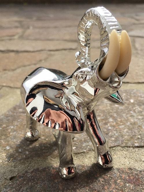 Elefante argentato