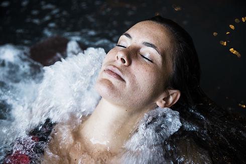 woman-relaxing-whirlpool-min.jpg