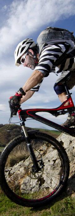Andare in mountain bike