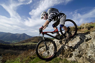 Andare in mountain bike