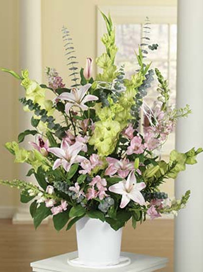 Lillie Mix-Sympathy Spray Basket