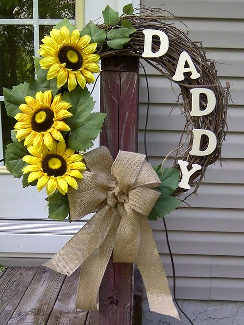 Dad/Mom Customized Wreath/Stand