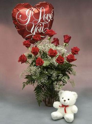 """""""Love & Kisses"""" Bouquet W/Balloon & Bear"""