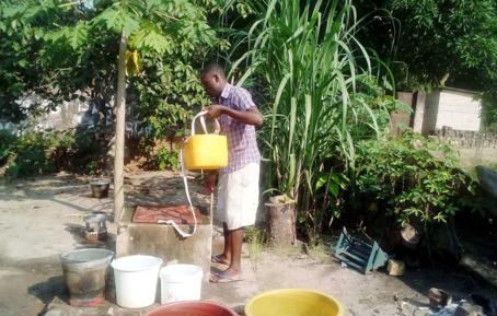 Les enfants offrent un puits pour le Congo