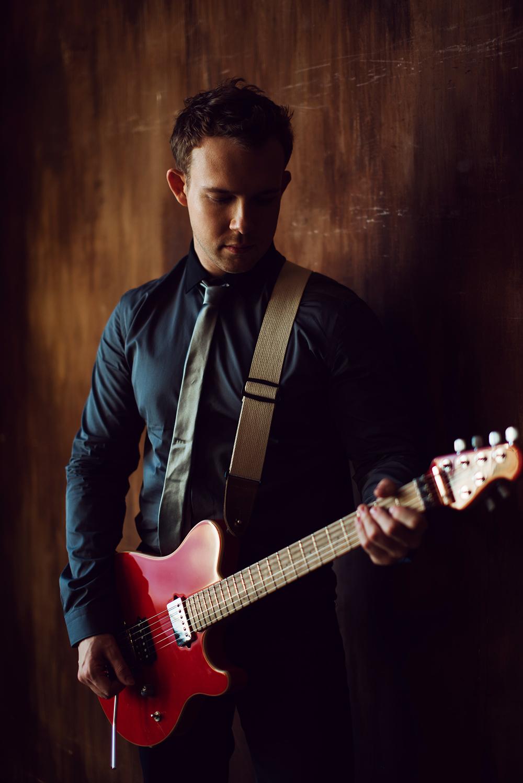 Михаил Гитарист 2.jpg
