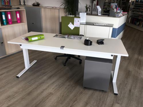 WINEA STARTUP elektr. höhenverstellbarer Tisch | Büroeinrichtung ...