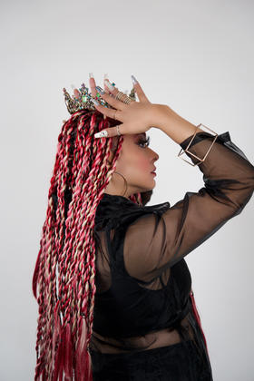 """""""Sometimes you just have to throw a crown on and remind them who they're dealing with"""""""