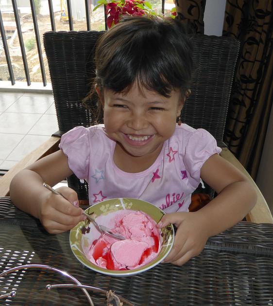 Indonesian girl Wea