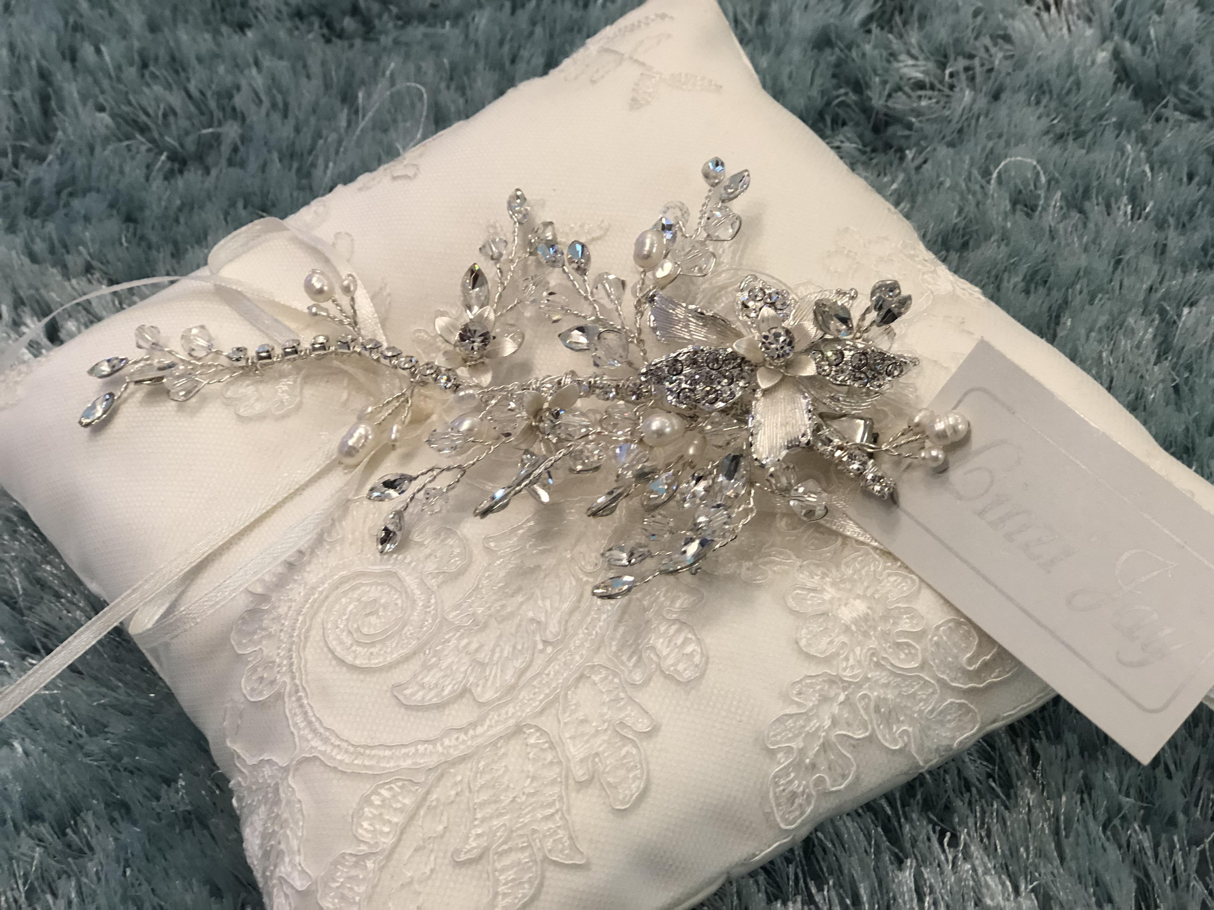 Crystal & Pearl Clip