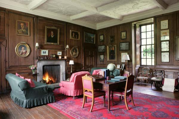 Rosslyn castle sitting room