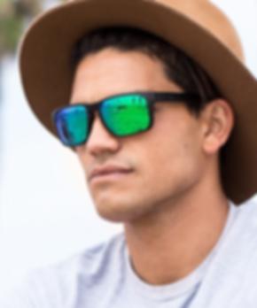 photo lunettes de soleil oakley