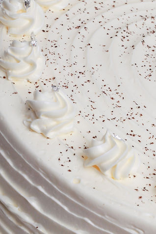 Victoria Sponge Cake Close Up.jpg