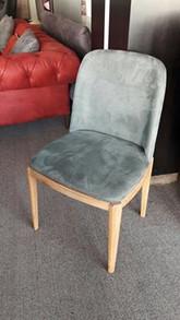 כסאות מרופדים058.jpg