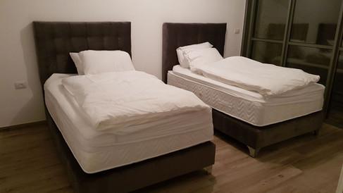 מיטות מרופדות 168.jpeg