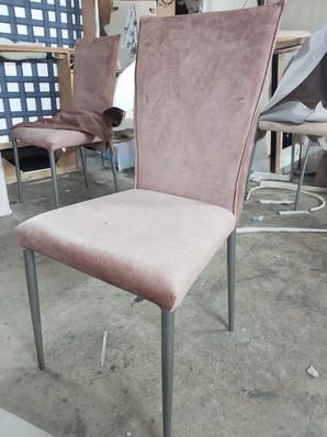 כסאות מרופדים150.jpg