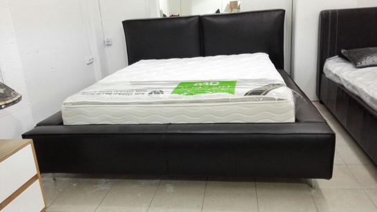 מיטות מרופדות 240.jpg
