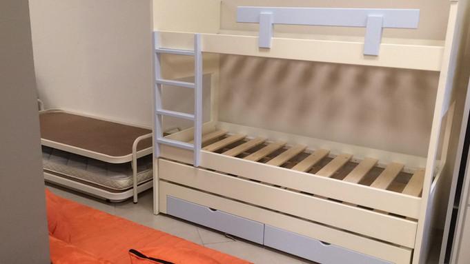 מיטות קומתיים נגר49.jpg