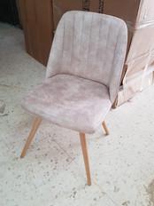 כסאות מרופדים189.jpg