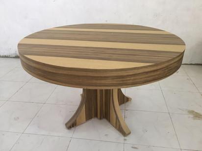 שולחן עגול נפתח (6).jpeg
