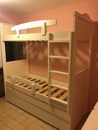 מיטות קומתיים נגר71.jpeg