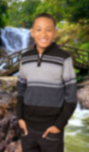 school portrait photographer based in the shenandoah valley.