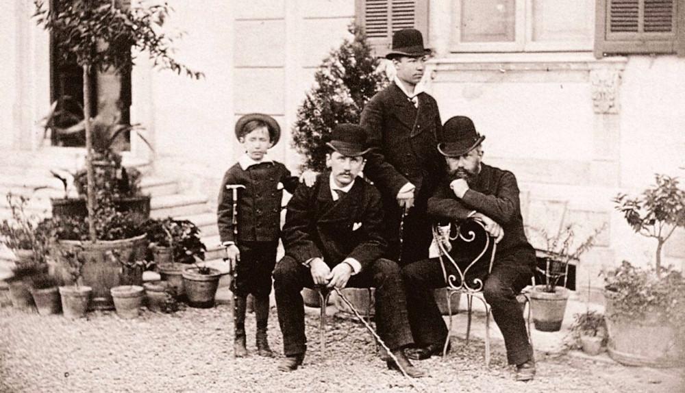 Kolja met de Tsjaikovski's en hun bediende, 1878.