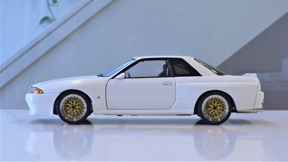 "1/18 AUTOart Nissan Skyline GT-R (R32) Wangan Midnight ""Reina"" Late Ver (White)"