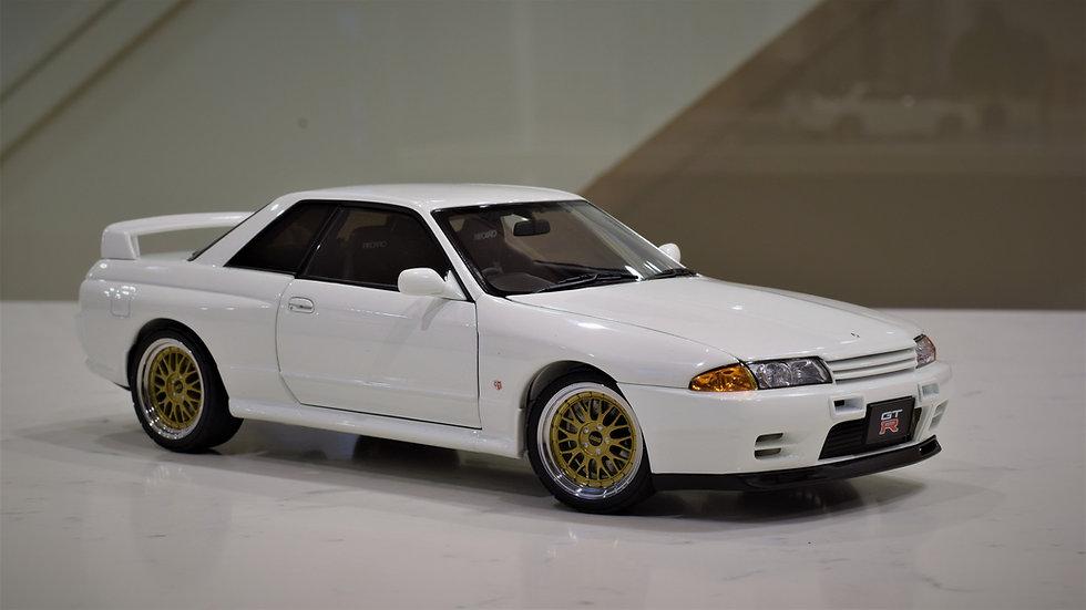 1/18 AUTOart Nissan R32 GT-R V-SPEC II - Tuned - White
