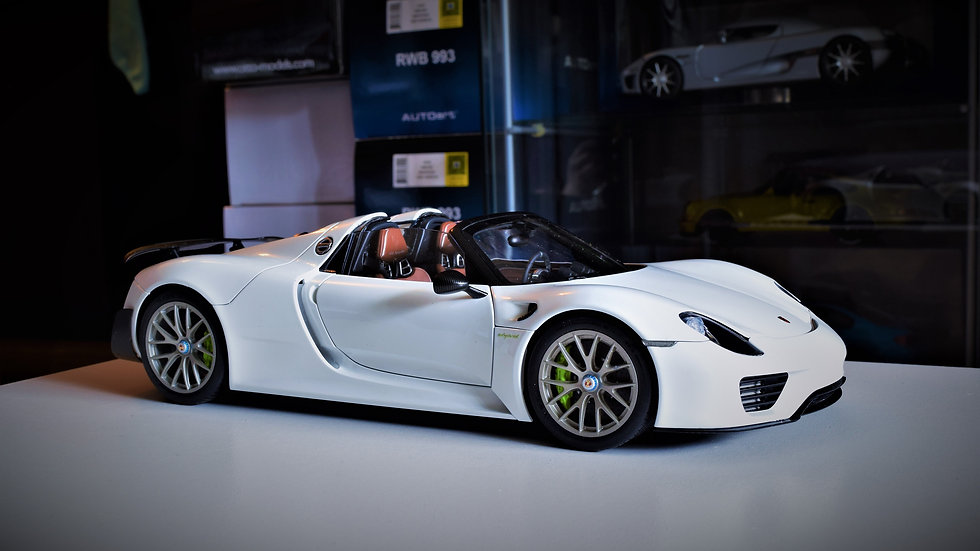 1/18 AUTOart Porsche 918 - WHITE