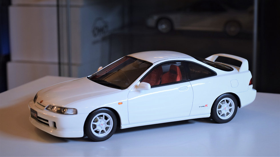 OTTOmobile 1/18 Honda Integra Type R (DC2) - White. LTD 2000PCS