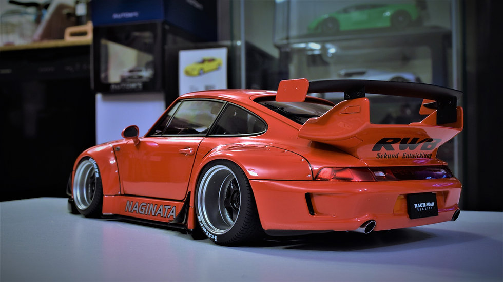 AUTOart 1/18 RAUH-welt Begriff (RWB) Porsche 911 (993) - RED