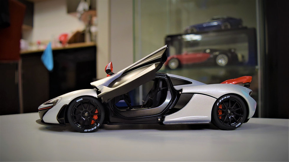 1/ 18 AUTOart McLaren P1 - Ice Silver