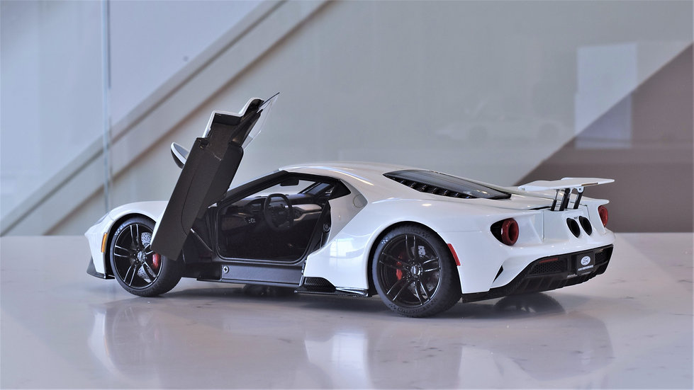 1/18 AUTOart - FORD GT (WHITE)