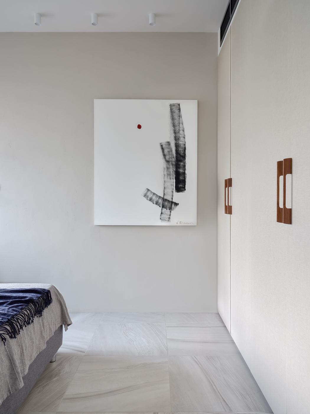 Живопись в спальне