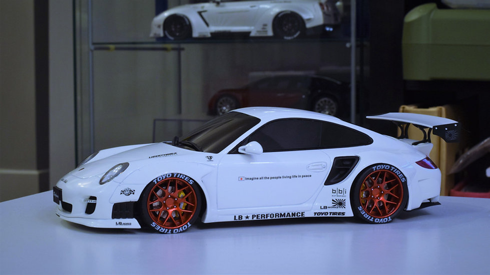 GT Spirit 1/18 Liberty Walk Porsche 911 (997)- WHITE