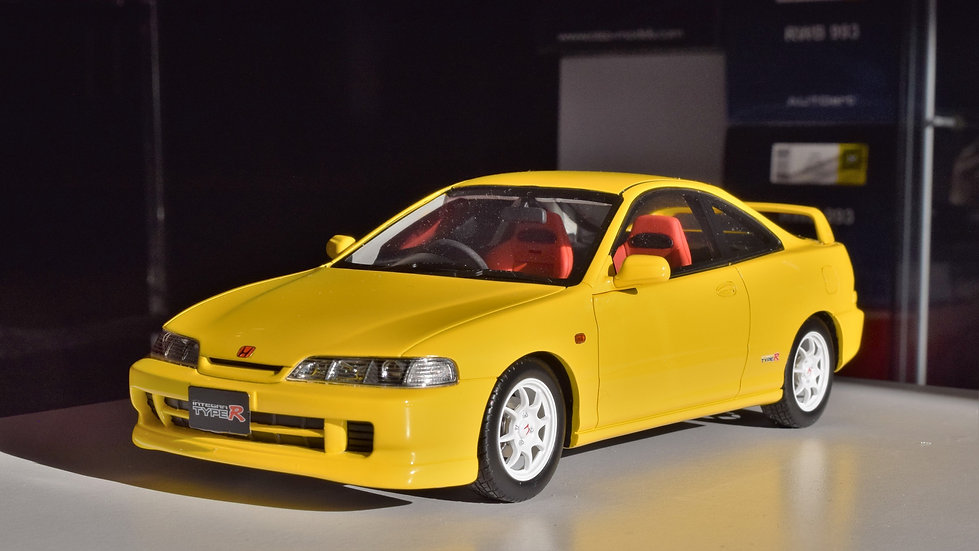 OTTOmobile 1/18 Honda Integra Type R (DC2) - Yellow. LTD 300PCS