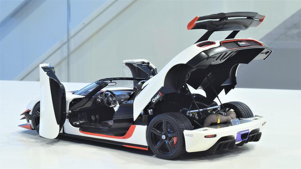 1/18 AUTOart Koenigsegg One: 1, Pebble White