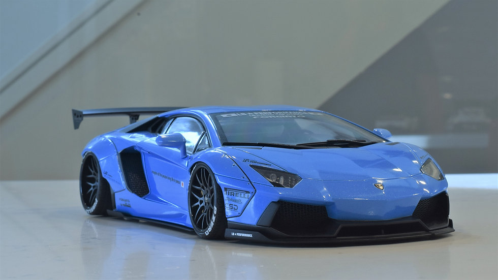 1/18 AUTOart Liberty Walk Aventador LP700-4 - BLUE