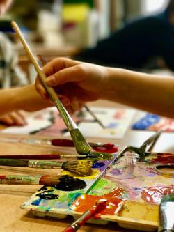 pinceaux et peintures