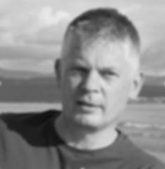 Robert_Darwen_Profile_edited.jpg