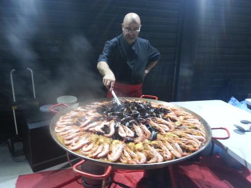 Paella Marseille, Traiteur Provence Marseille propose service paella à domicile, choucroute, couscous, cocktail dinatoire etc, pour particuliers, entreprises à Marseille