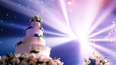 WEDDING CAKE LIGHTING.jpg
