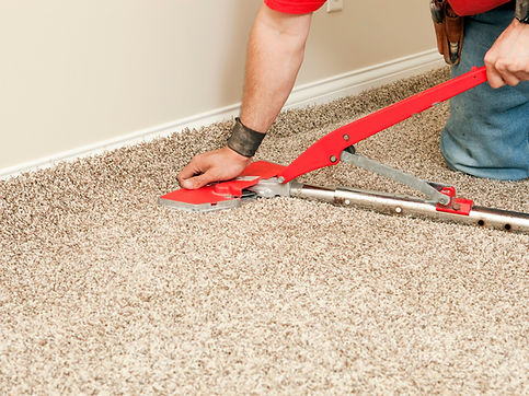 Installing-Wall-to-Wall-Carpet-with-Stre