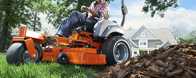 We understand it can be confusing to choose between lawn care companies, and also challenging to decide which lawn maintenanceprogram is best for you. At Dreamscapes we offer a variety of different lawn maintenance programs. So it can be specially designed to fit your individual needs