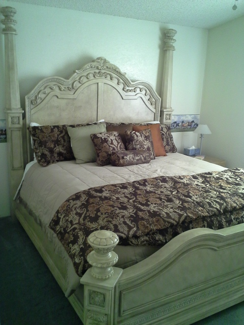 Room #3, king bed