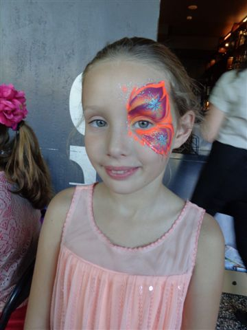 Pretty Winged Eye Face Painting