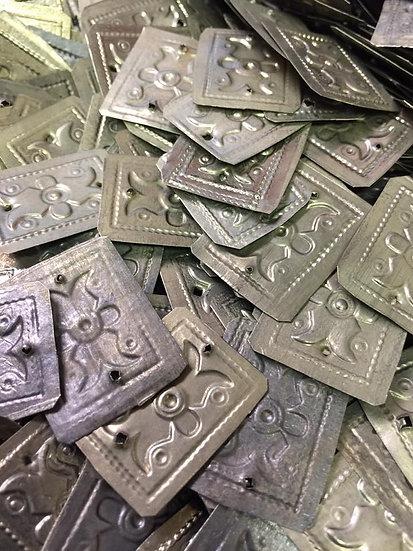Lot of 50 silver rectangular - KC114